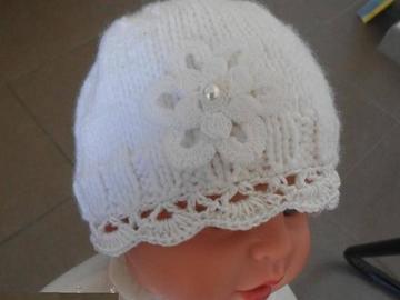 Vente au détail:  bonnet nouveau né/bonnet naissance/baptême fille /bonnet bébé/bo