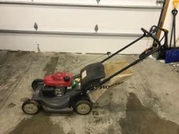 Renting out equipment (w/o operator): Honda HRX 217 Lawn Mower with 21-inch deck