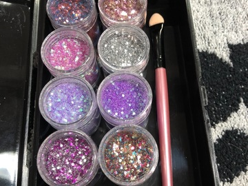Venta: Cajita con brocha y Glitters/pigmentos