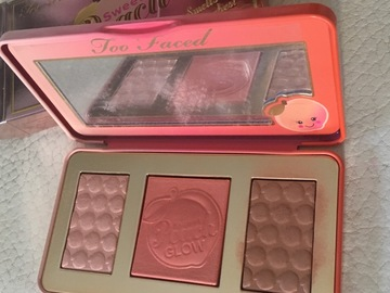 Venta: Too Faced Sweet Peach Glow trío