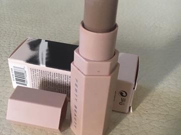 Venta: Vendido fenty Beauty match stick tono AMBER