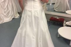 Ilmoitus: UUSI! A-linjainen mekko