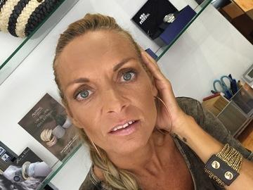 Venta: Maquilladora a domicilio y asesora de imagen