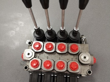 Spares / consumables for sale: 4bank spool valve