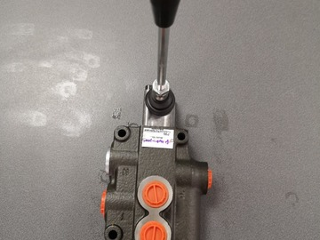 Spares / consumables for sale: P80 1 bank hydraulic spool valve