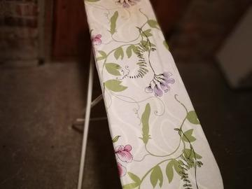 Myydään: Ironing board