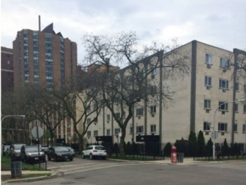 Monthly Rentals (Owner approval required): Chicago IL, Lakeview Secure, Gated, Covered Garage Parking