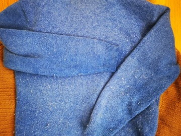 Selling: Blue turtleneck sweater for ladies