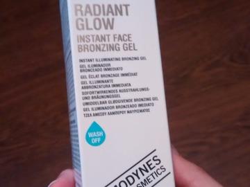 Venta: Radiant Glow Instant Face Broncing Gel de Comodynes