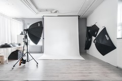 Vuokrataan: Valokuvausstudio. Katajanokka.