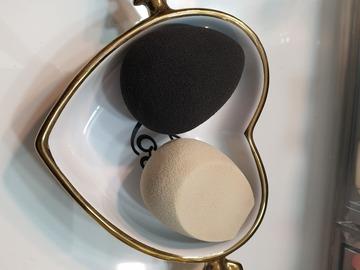 Venta: 2 esponjas fenty y beauty blender originales