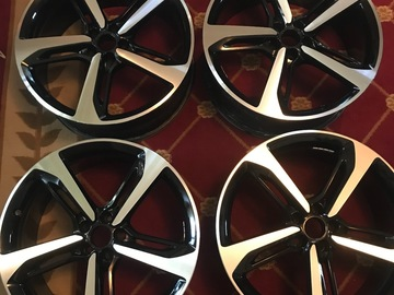 Selling: RS7 Wheels
