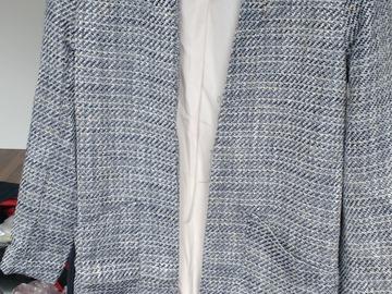 Myydään: coat