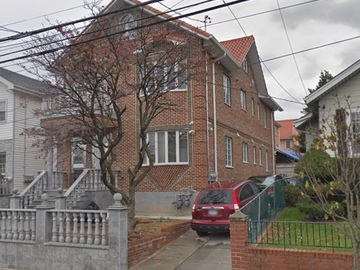 Monthly Rentals (Owner approval required): Flushing NY, Private Driveway Parking