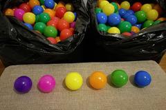Ilmoitus: Pallomeripalloja 800kpl
