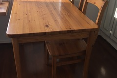 Myydään: kitchen table and chairs