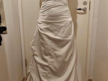 Ilmoitus: ihana halterneck mekko