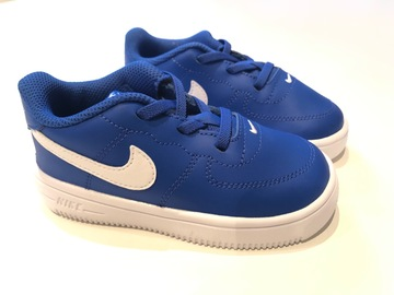 Selling with online payment: Nike Force 1 Trainers, Size 7.5