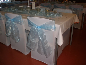 Ilmoitus: Tuolinauhat vaaleansiniset 50kpl + pöytäliinat