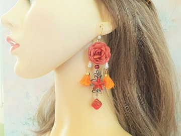 Sale retail: Boucles d'oreilles orange moutarde fleur pompon