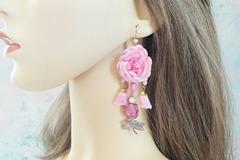 Sale retail: Boucles d'oreilles rose douce fleur pompon