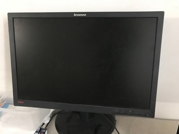 Selling: Desktop monitor