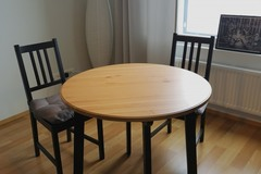 Selling: Round IKEA kitchen table and 2 chairs
