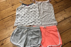 Selling with online payment: Shorts and T bundle girls, age 10-11 Yrs