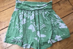 Selling with online payment: H&M skirt age 11-12