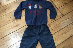 Selling with online payment: Christmas Jumper  and shorts age 2-3