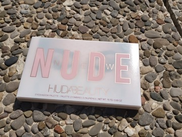 Venta: The New Nude Palette de Huda Beauty