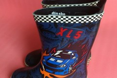 Selling: children rain boots size 25
