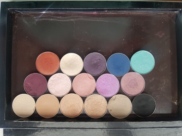 Venta: Paleta de 16 sombras originales de MAC.