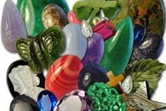 Compra Ahora: (1,000) Semi Precious & Genuine Stones & Pendants- Cost $0.34