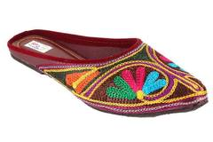 Buy Now: Embroidered women sandal/slipper  lot - 250 Pairs