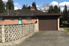 Daily Rentals: Everett WA, Alley Driveway Available.  Great Location.