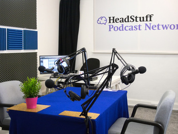 Rent Podcast Studio: HeadStuff Podcast Studio