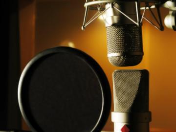 Rent Podcast Studio: Business Podcasting