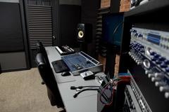 Rent Podcast Studio: Rockit Lab Studios i