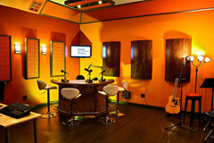 Rent Podcast Studio: Show Creators Studios