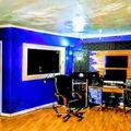 Rent Podcast Studio: Showroom Studios