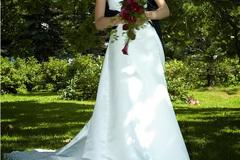 Ilmoitus: Halterneck wedding dress