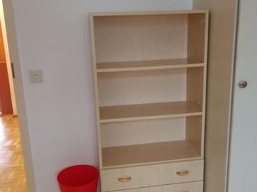 Myydään: Shelfs