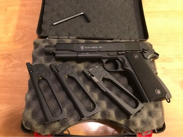 Selling: Elite Force 1911 GBB, Full Metal, 3 Mags, Co2