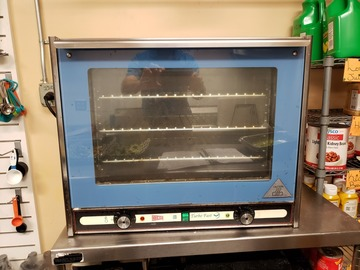 Vendiendo Productos: Preview Kitchen Oven for Sale in Savannah, GA