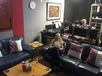 Rent Podcast Studio: Solid Gold Podcast Studios | Johannesburg South Africa - Studio03
