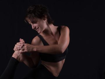 Class Offering: Anti Desk yoga~ יוגה לכאבי גב וצוואר