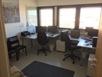 Renting out: Jaettu työhuone Merihaassa, 500m Hakaniemen torilta