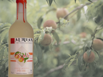 Artisan Products: Peach Flavoured Wine
