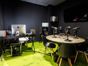 Rent Podcast Studio: Podcast Studio and Coworking Space
